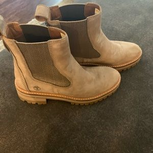 WOMEN'S COURMAYEUR VALLEY CHELSEA BOOTS